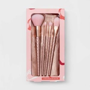 Other - 5 pieces make up brush set and bag